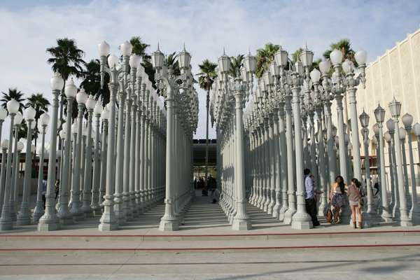 "Chris Burden's ""Urban Light"" (2008) at LACMA"