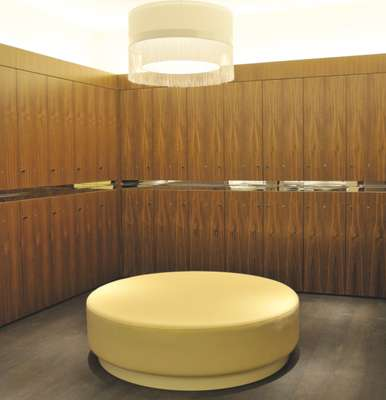 The changing rooms in the gentleman's salon