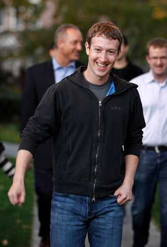 Zuckerberg epitomises the tech-bro look: T-shirt, hoodie and jeans.