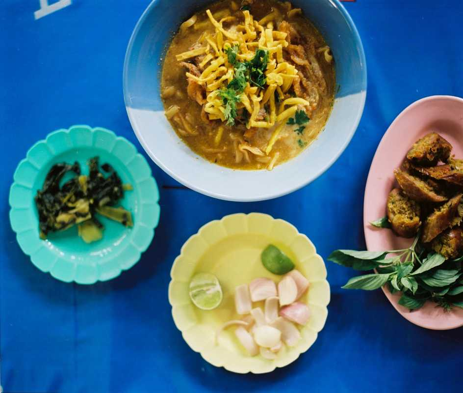Khao Soi and Chiang Mai sausages served at Khao Soi Lamduan