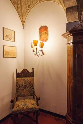Corner of the parlour room with Renaissance-style details