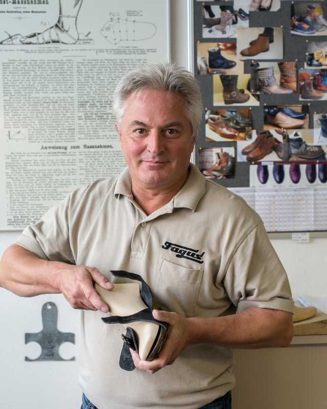Shoe-last pattern maker Bruno Henker