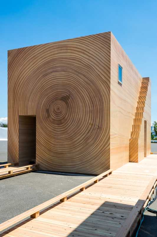Woodgrain House uses printing technology