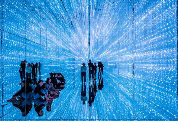 'The Infinite Crystal Universe' , TeamLab Planets