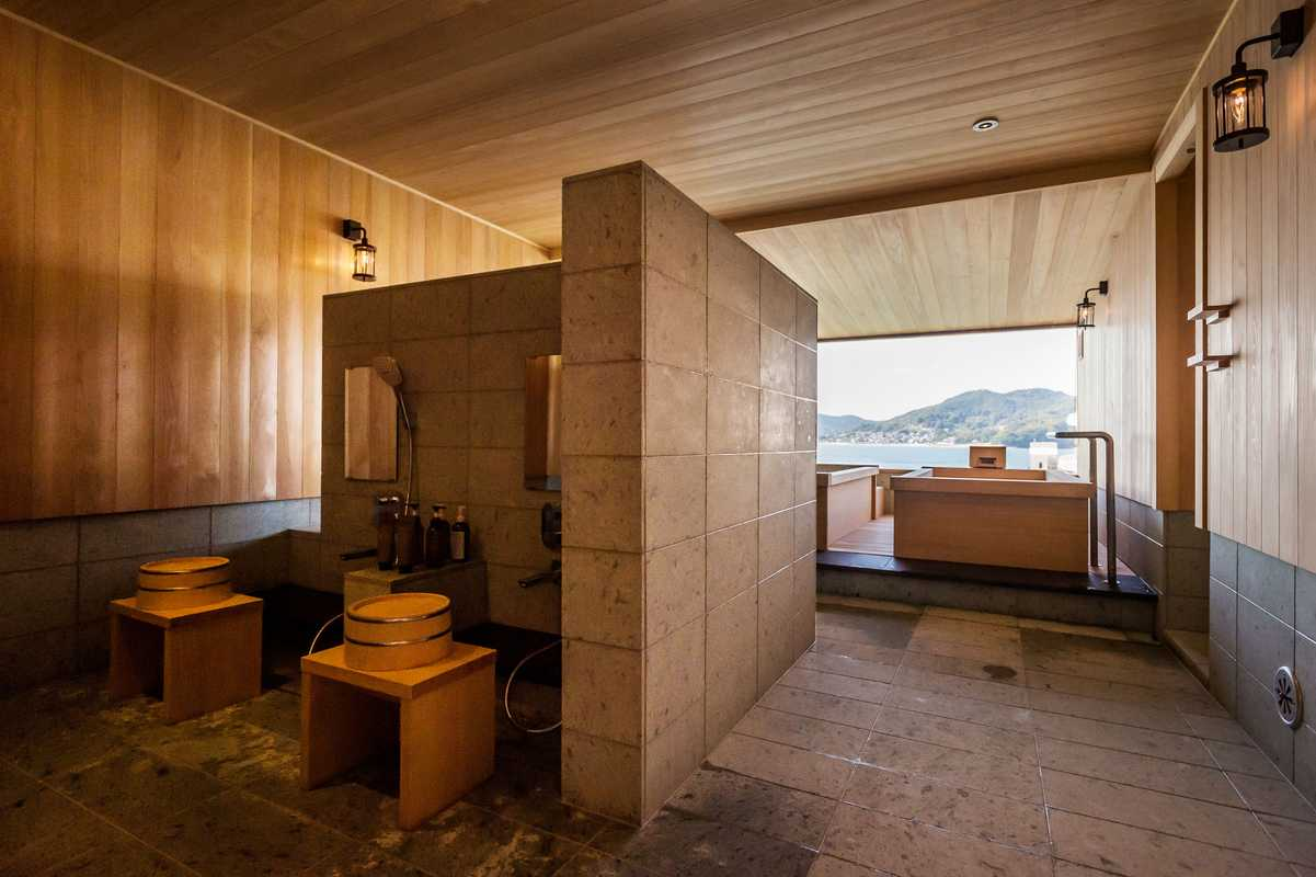 Showers and cedar baths in the spa