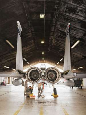 Maintenance crews keep fighter jets in tip-top shape