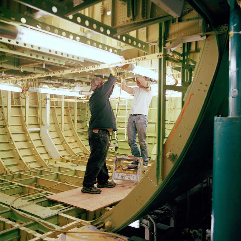 Men at work on the 747-8