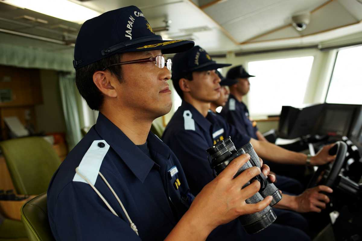 The crew of Kurose, a patrol vessel