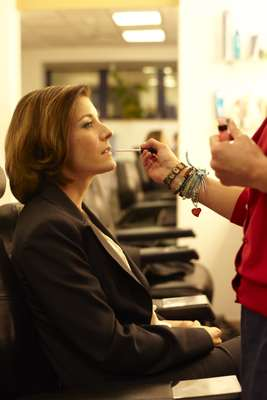 Anchor Lauren Taylor gets some final touches
