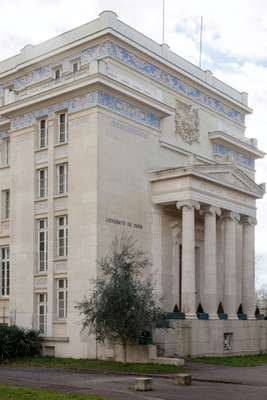 The Fondation Hellénique, complete with Ionic columns