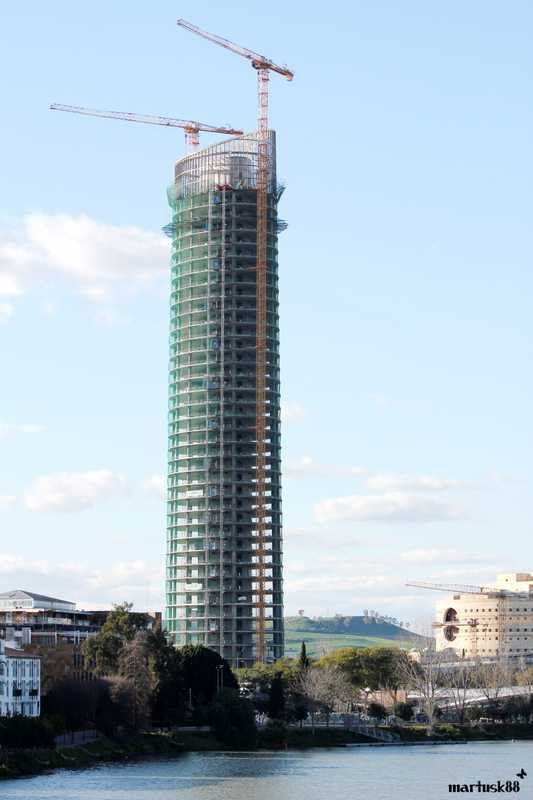 Seville's new skyscraper, the Tore Pelli