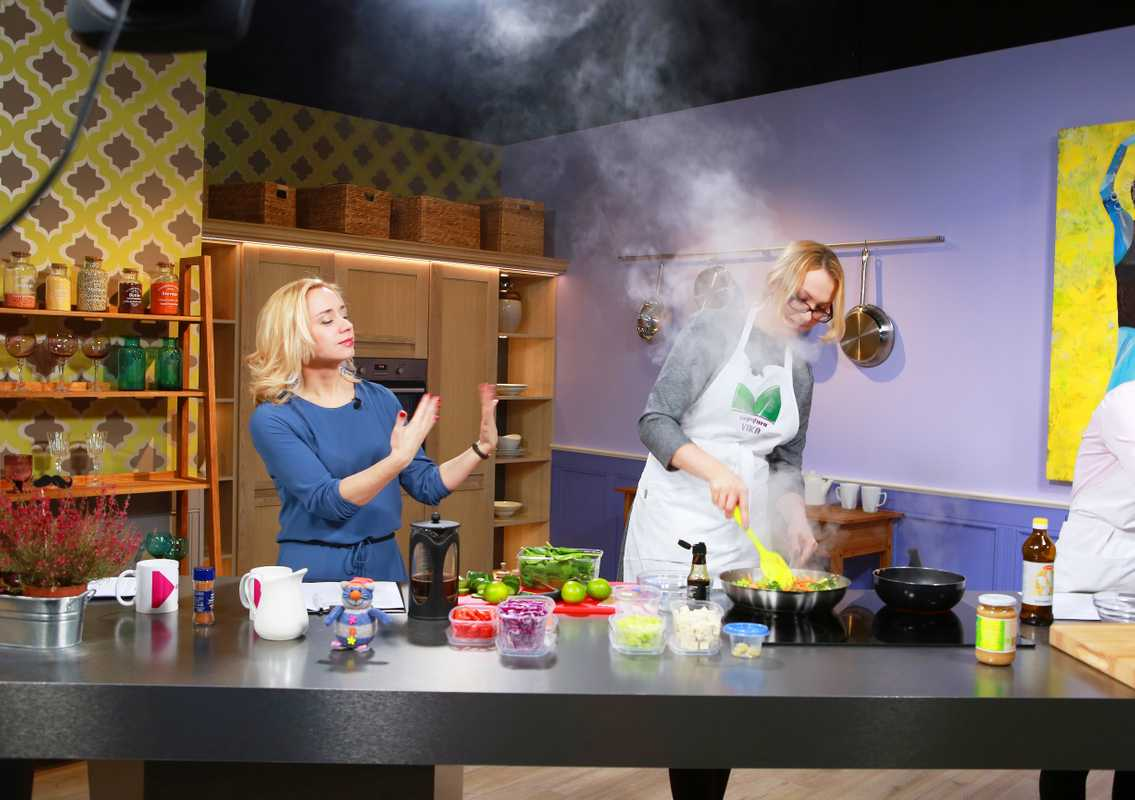 Vegetarian cooking segment on morning show 'Coffee+'