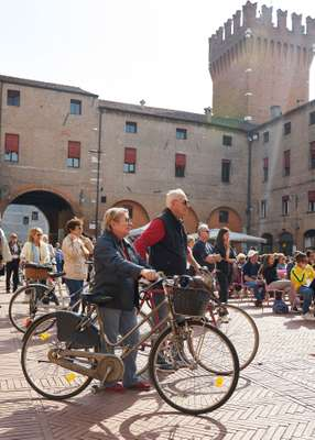 Bike-friendly Ferrara's Piazza del Municipio