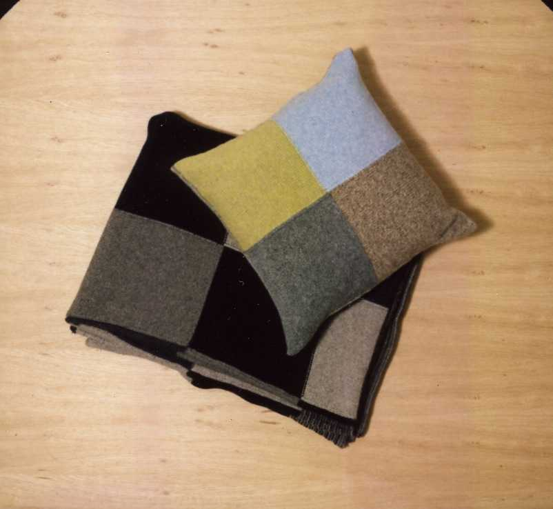 Esk Valley Knitwear/cushion and throw