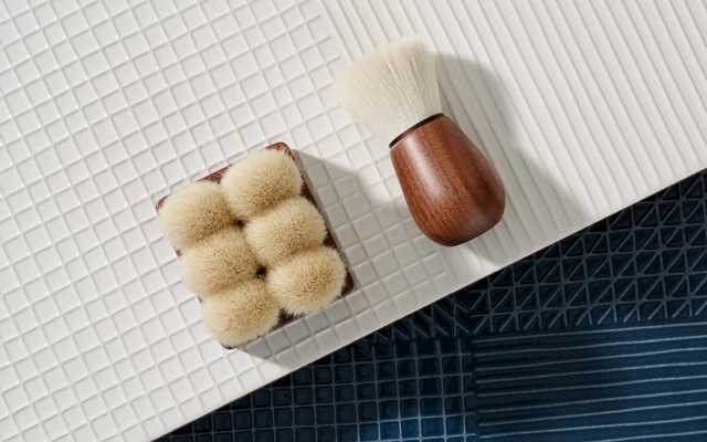 Face and body brushes, Suvé