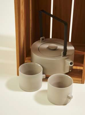 Teapots and cups by Round Square Teaware