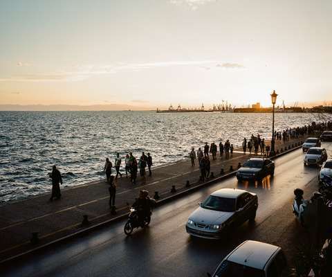 Thessaloniki gets busy after dark
