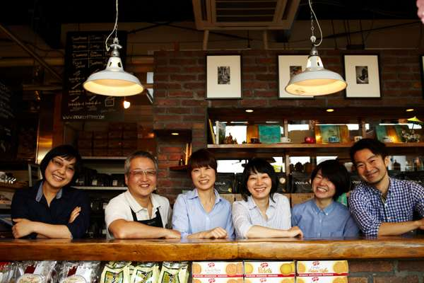Voila café owner, Tatsuya Inoue (second from left) and his staff