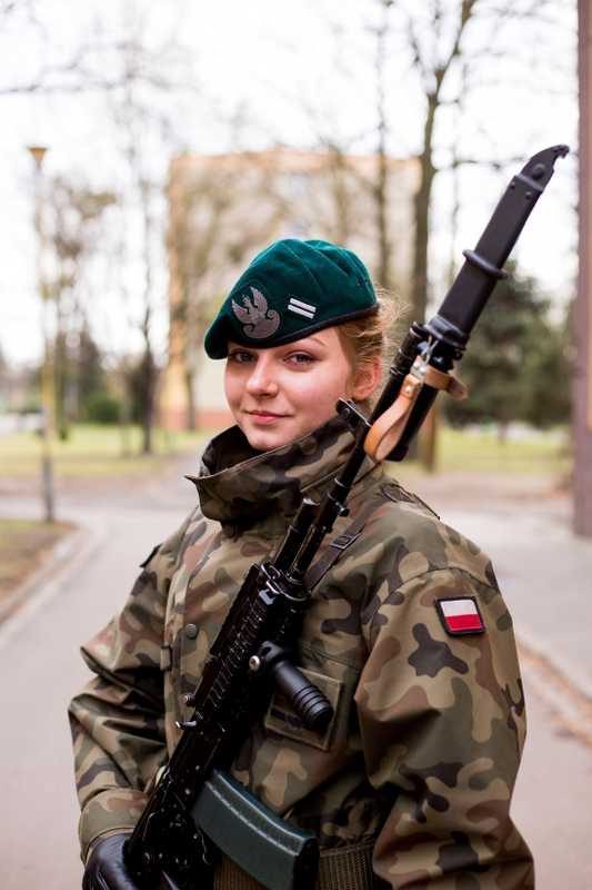 More than 10 per cent of cadets are women