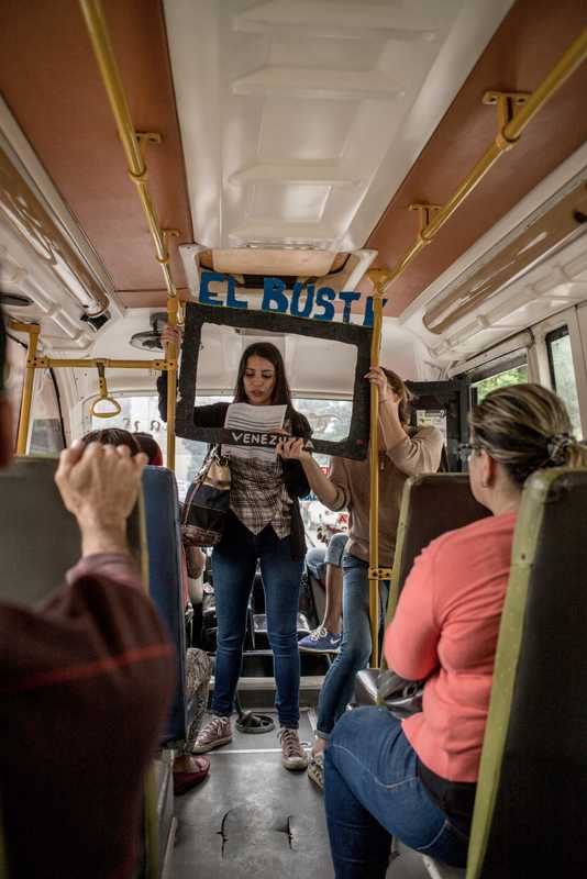 El Bus TV brings live news to commuters
