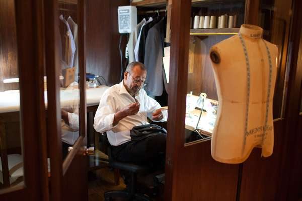 Inhouse tailor at Noir, Le Lis