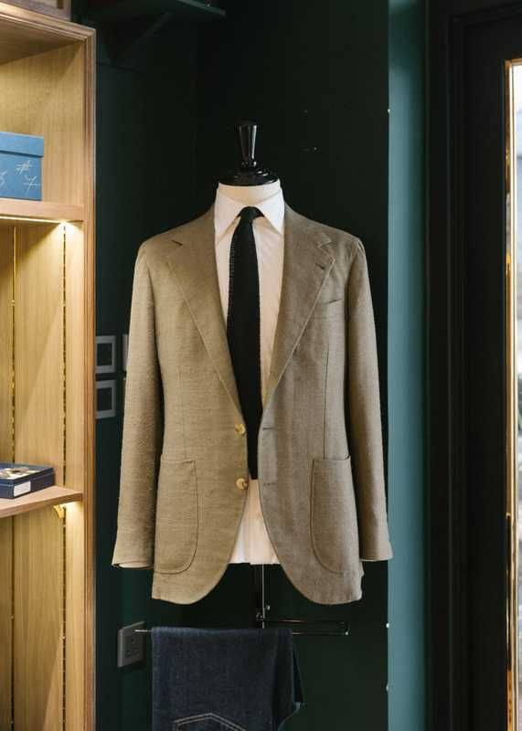 Made-to-measure suit at Prologue