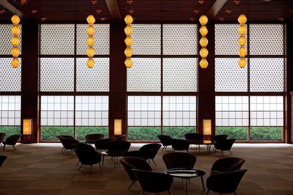 'Shoji' paper and 'tategu' handmade wooden screens in the lobby of the main wing, with famous pendant lights