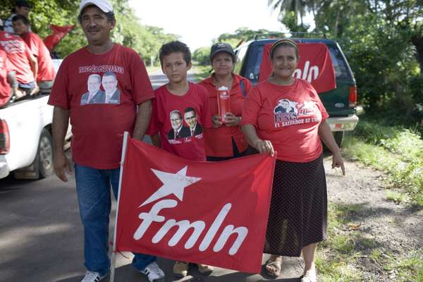 FMLN supporters