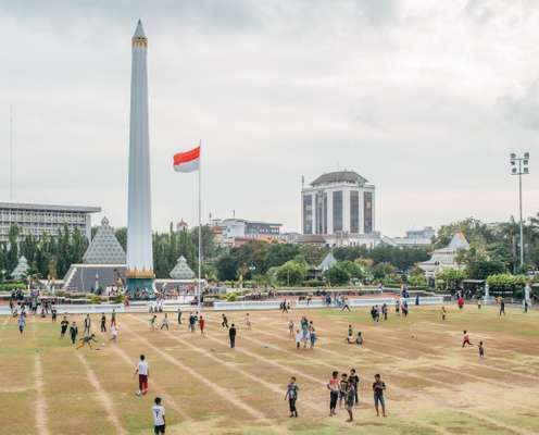 Sunday morning at the Tugu Pahlawan, commemorating the city's battle against the British in 1945