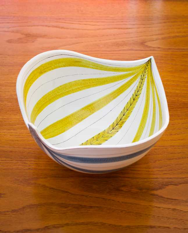 Stig Lindberg's 1950s bowl at Jacksons