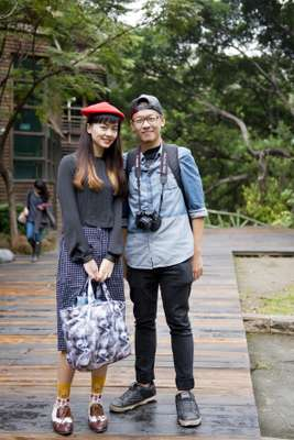 Couple in front of the eco-friendly Beitou Library