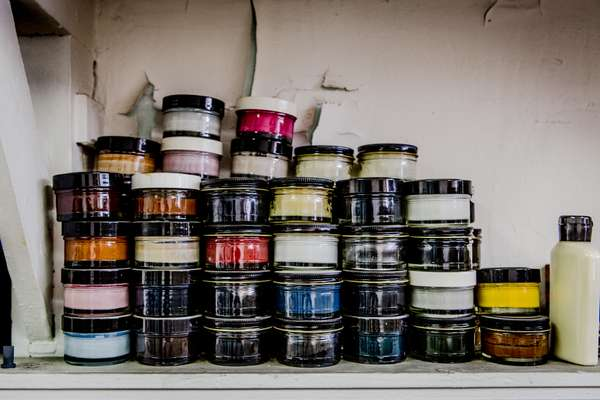 Different colours of dye cream