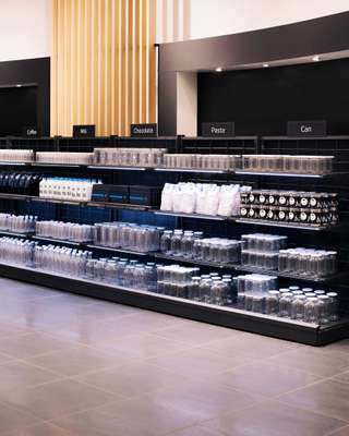 Well-stacked shelves in Wanzl's demo shop