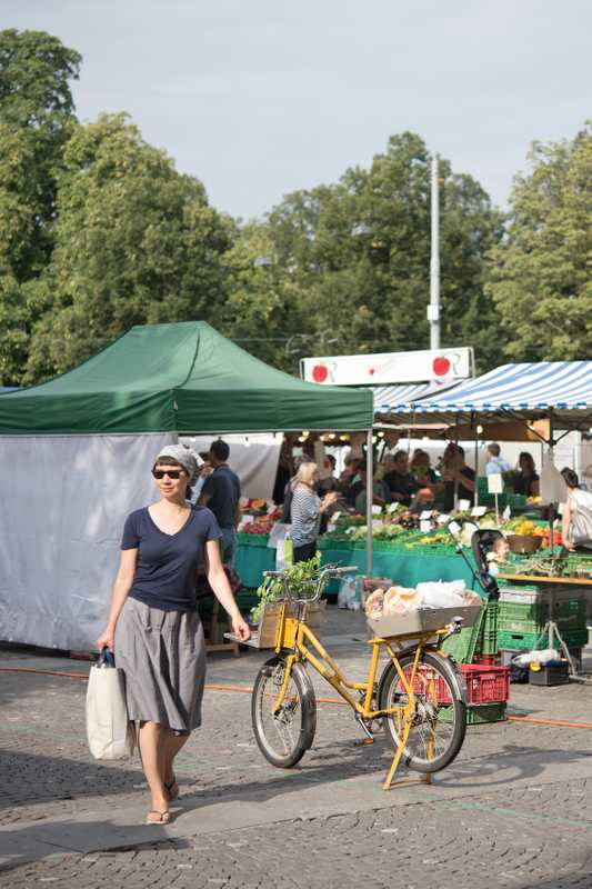 Market at Helvetiaplatz, which is held every Tuesday and Friday