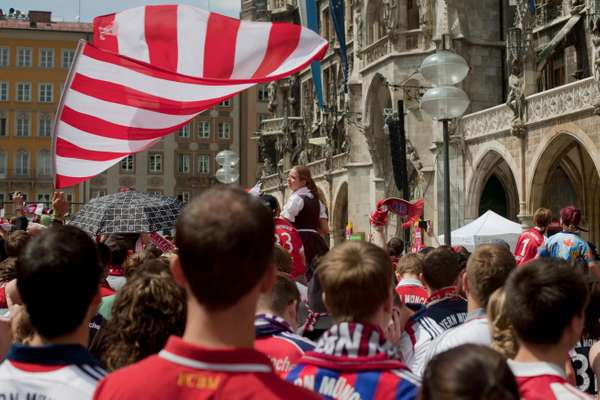 Celebrations in Marienplatz as FC Bayern Munich win the league title