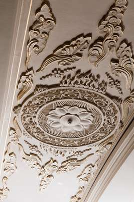 Plaster decoration in the Rainbow Ball Room