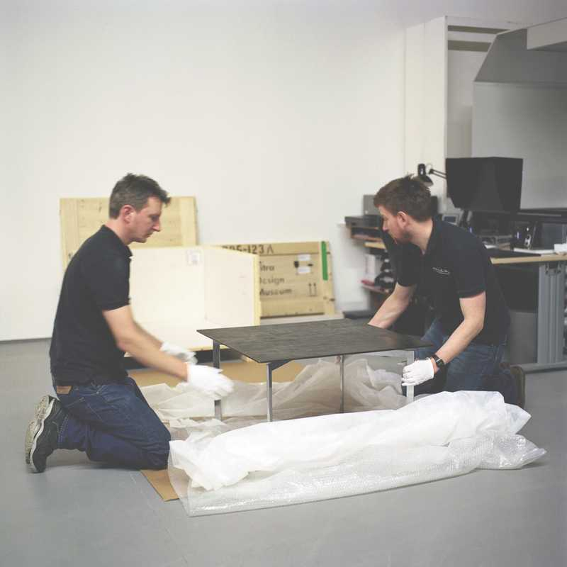 Unpacking a Vitra Design Museum table