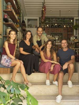 (From l-r) Marisa and Marta Fonseca, Carlos Duarte, Tânia Fonseca and Isaac Almeida