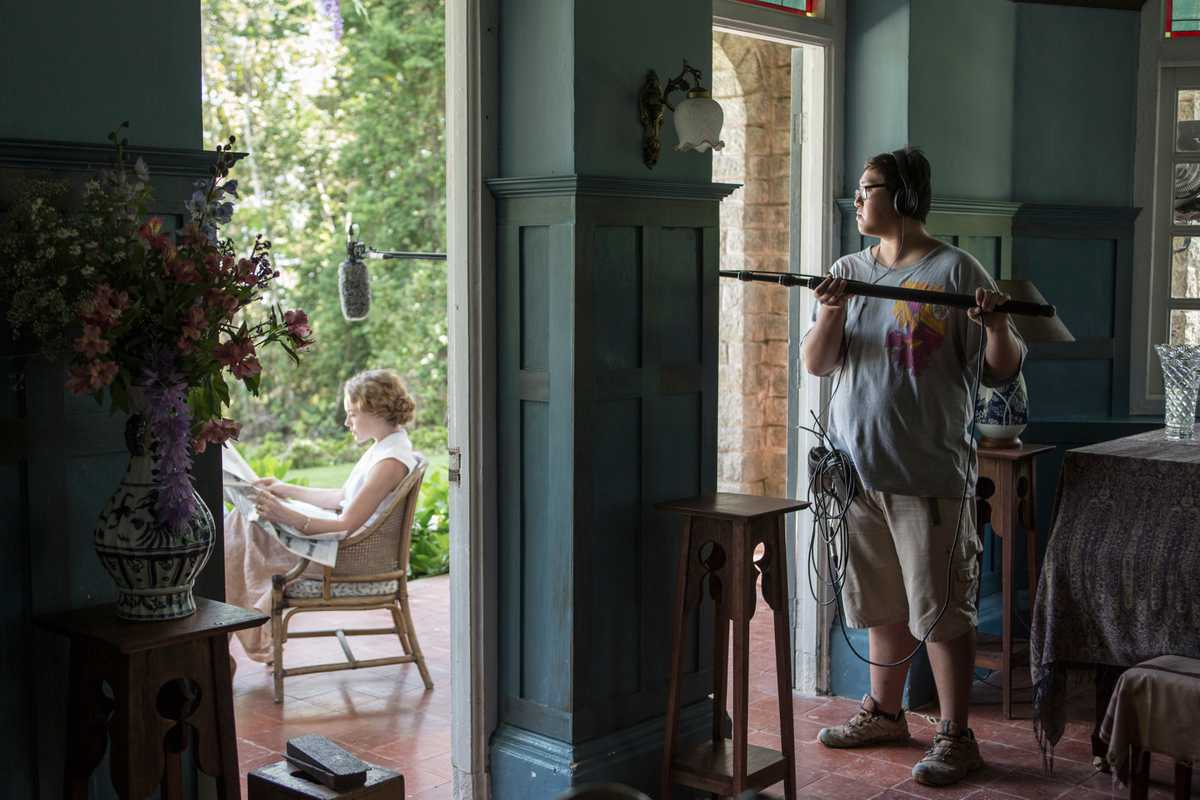 Boom operator on the set of 'Indian Summers'