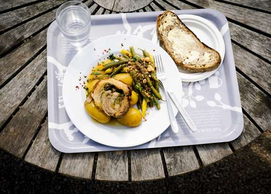 Porchetta with green beans