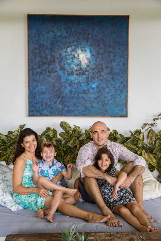 Alejandra Collado, Eduardo Sepúlveda and children Leila and Chloe