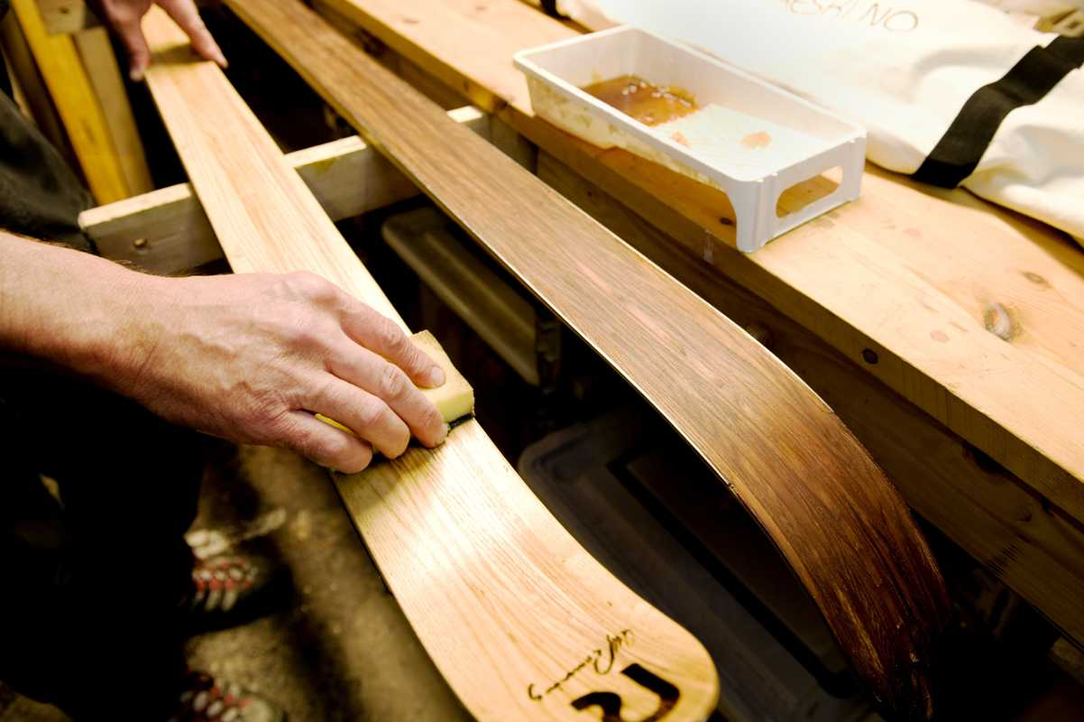 Skis are treated with tree oil, which makes it easy to repair any damage at home: just lightly sand and re-oil