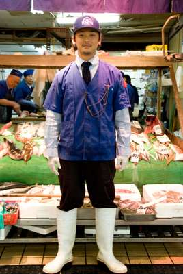 Ryuta Takeichi, employee at Tenryu fish shop in Yanagibashi