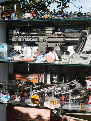 Replica-gun shops are better armed than San Marino's military