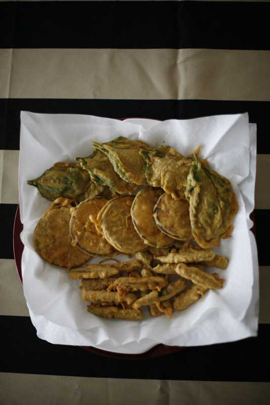 Pakoras of spinach, aubergine and okra