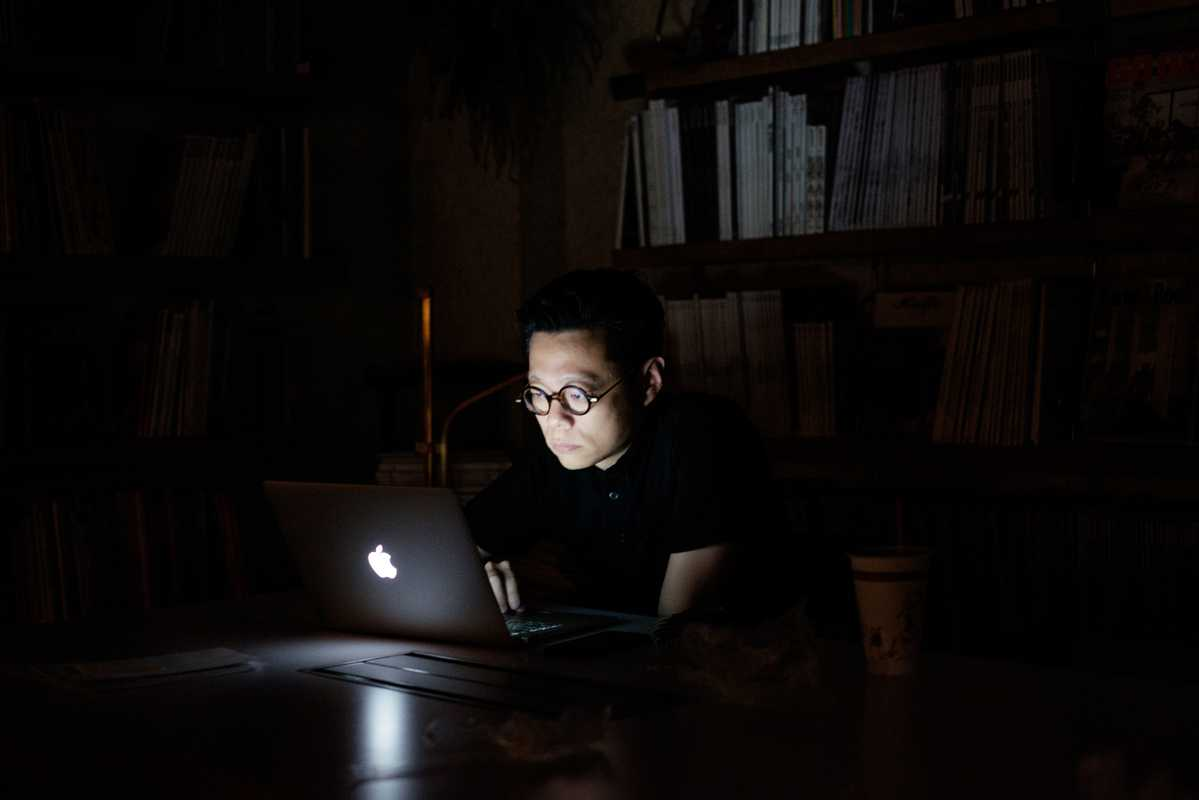 Art director Yu Feng at work