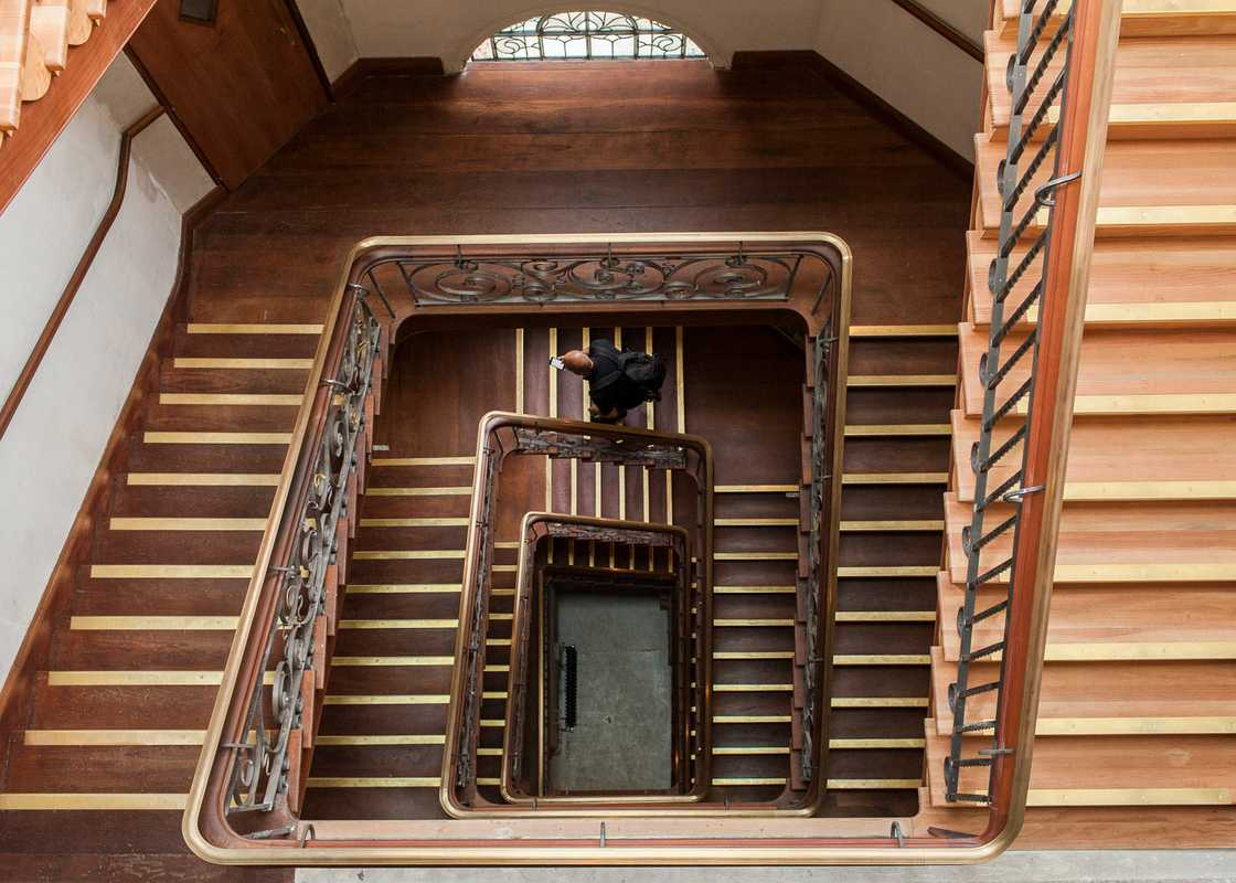 Grand mahogany staircase