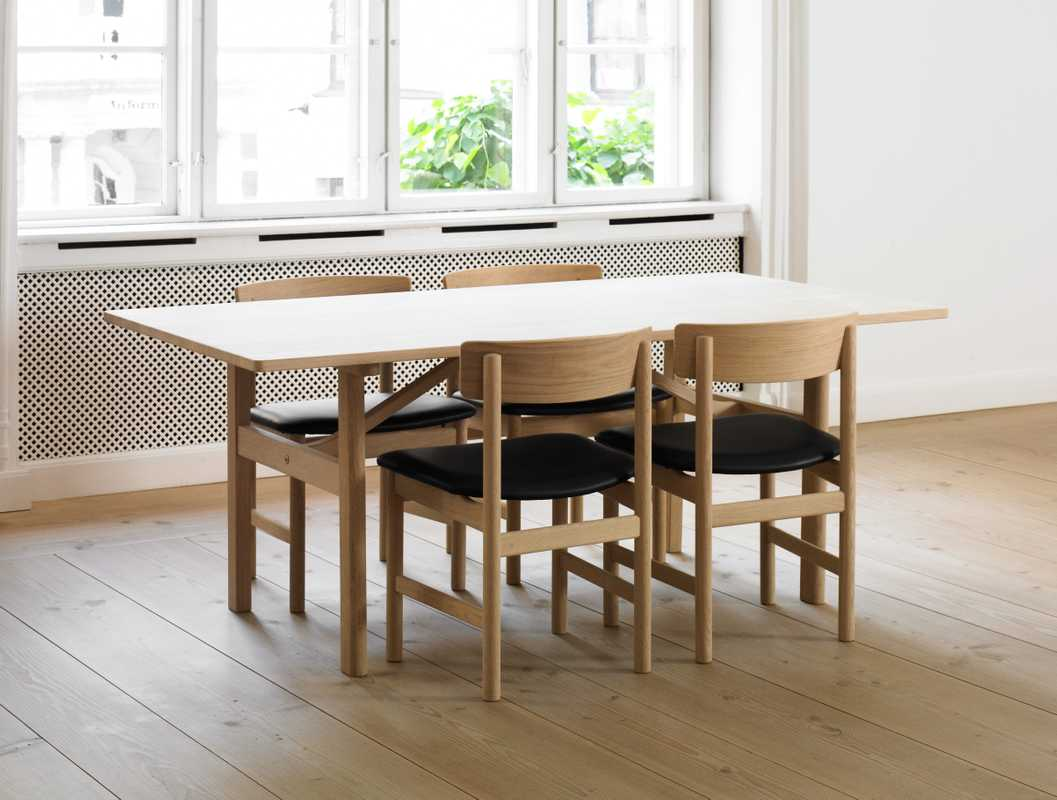 No. 40: Dining table and chairs by Børge Mogensen