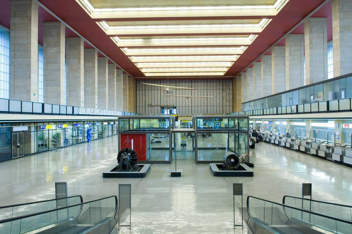 The airport's main foyer
