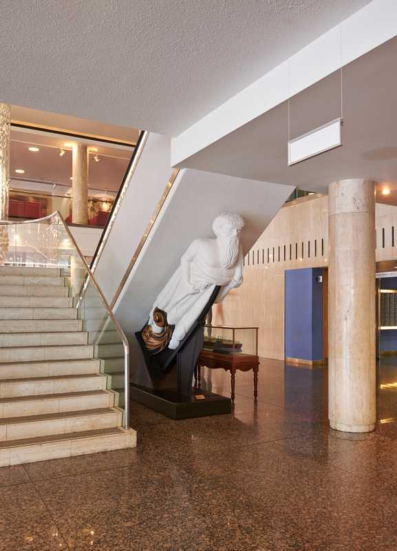 Ship's figurehead inside IMO headquarters